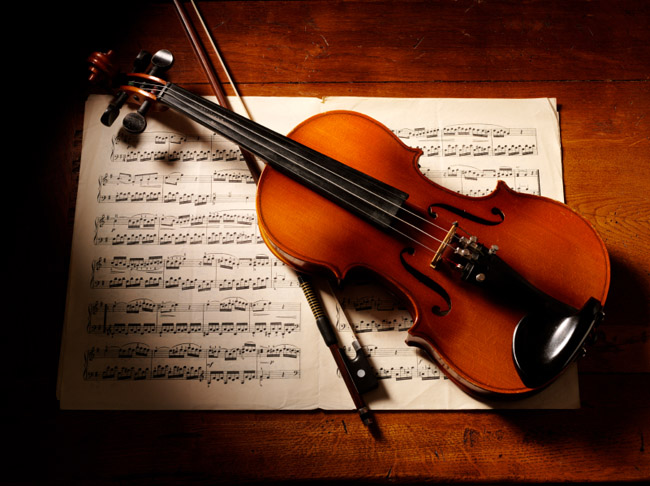 iStock_Violinwithmusic_000015362047Small_webversion